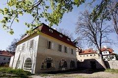 Werichova vila během let hostila hned několik známých českých osobností a dodnes je neodmyslitelně spjata hlavně se jménem jedné z nich – s hercem Janem Werichem.