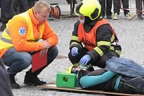 Druhý ročník soutěže dobrovolných hasičů ve vyprošťování osob z havarovaných aut.