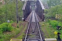 Ocelová konstrukce z roku 1896 je dávno za hranicí životnosti.