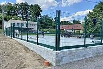 Nové multifunkční hřiště v Srbici.