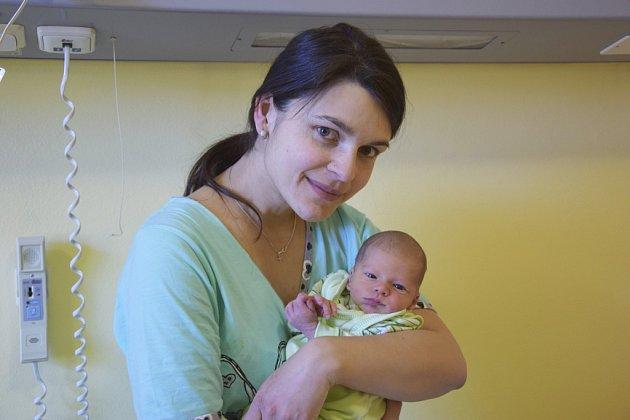Irena a Miloš Ratajovští jsou od soboty 11. února rodiči malého Štěpána. Chlapeček po narození v 20.18 vážil 3210 gramů a měřil 51 centimetrů. Rodiče si prvorozeného syna odvezou domů do Votic.