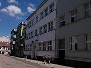 Bývalá škola v benešovské Husově ulici.