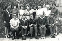 Uvolněný rok 1968. Společnost se nadechovala a radovala z pomalu nabývané svobody. Ředitelem  II. Základní devítileté školy v Týnci nad Sázavou byl na konci šedesátých let Václav Staněk.