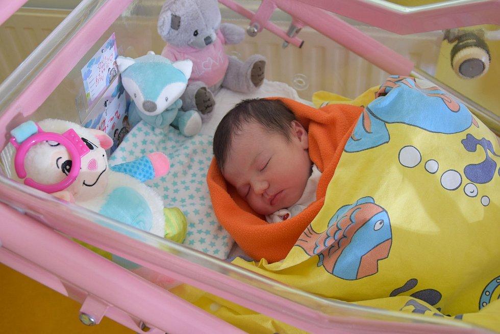 Jana Špačková se Janě Grůberové a Luboši Špačkovi narodila v benešovské nemocnici 6. září 2021 ve 12.48 hodin, vážila 3520 gramů. Rodina bydlí v Koutech u Votic.