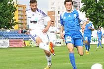 Ondřej Průcha (v modrém) je jediným hráčem, který si ve Vlašimi prožil cestu od I. A třídy do II. ligy. Teď končí.