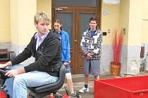 INTERNÁT v benešovské zemědělské škole možná rozšíří ubytování v bývalé choceradské léčebně.