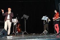 Jako host Lucie Šoralové v Benešově recitoval Michal Horáček.