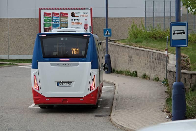 Oranžová linka číslo 1 MHD Benešov - zastávka Kaufland.