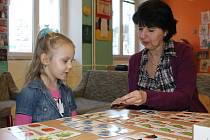 Děti, které absolvují předškolní docházku jsou lépe připravené na nástup do první třídy základní školy.