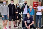 V benešovské nemocnici darovali členové hnutí Trikolóra krev.