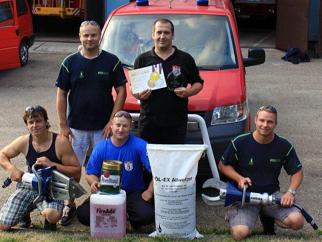 Votické hasiče reprezentovali Petr Štěpánek (vedoucí teamu), Martin Rataj (velitel družstva), Miloš Rataj (hasič),  Michal Čmiel (hasič), Tomáš Kořínek (zdravotník).
