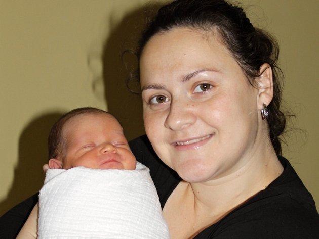 Karolína a Petr Vykoukalovi se stali rodiči malého Jakuba, který se narodil 12. prosince v 8.49. Při příchodu na tento svět vážil 3,15 kilogramu a měřil 49 centimetrů. Doma v Bystřici má sourozence Aleše a Michaelu (20 měsíců).
