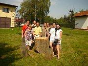 Při posledním srazu v Bukovanech u Benešova starostové společně zasadili buky.