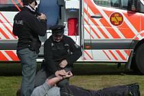 Policisté a záchranáři se prezentovali  u štěchovické přehrady i společným zásahem příslušníků všech složek Integrovaného záchranného systému.