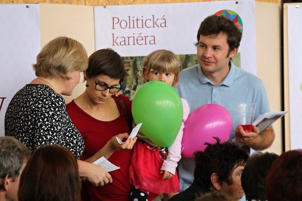 Oslava dvaceti let čechtické ZŠ.