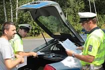 Dopravní policisté kontrolovali ve středu dopoledne na silnici I/3 u Bystřice průvodní listiny nákladu polského kamionu.