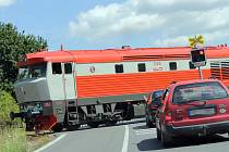 Přejezd silnice I/18 u Křešic SŽDC příští rok opraví a dovybaví závorami.