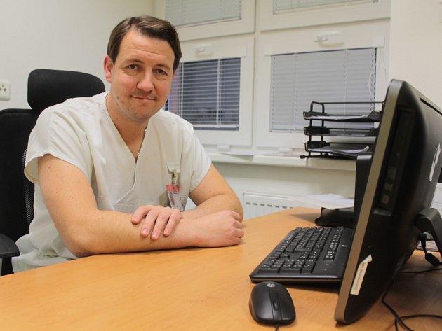 Zdeněk Špale řeší vše v klidu a s úsměvem na tváři.