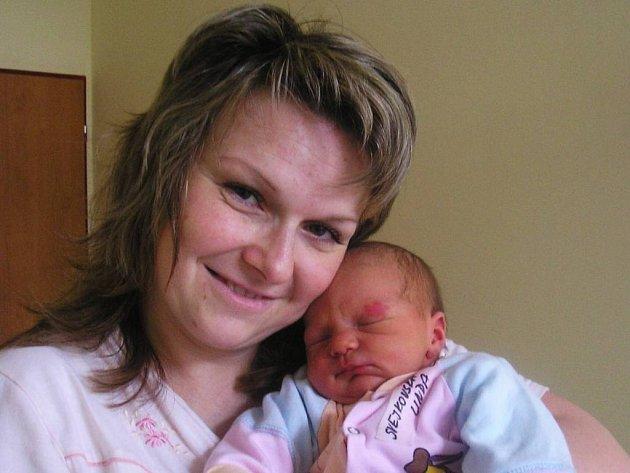 Malá  Linda se narodila manželům Renatě a Milanovi Svejkovským 9. února 5 minut po půlnoci.  Vážila 4,1 kg a měřila 53 cm. Doma v Bystřici ji přivítala sestřička Anetka (2,5)