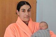 Prvorozený Lukáš Daníček se narodil 9. dubna v 1.20, kdy měl 2 510 gramů a 46 centimetrů. Z narození se radují rodiče Sandra Chytilová a Jiří Daníček, kteří se synem budou žít  v Kališti u Chocerad.