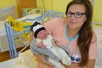Mikuláš Kačena se manželům Simoně a Martinovi narodil v benešovské nemocnici 25. června 2020 v 5.18 hodin, vážil 3440 gramů. Doma ve Vlašimi má bratra Matěje (2).