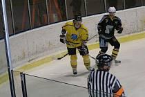 Zápas II. hokejové ligy Benešov - Kutná Hora 4:5 po prodloužení.