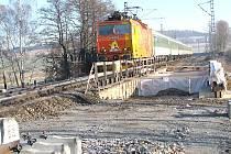 Menšího počtu vlaků na trati využijí stavbaři pro práce na 4. železničním koridoru za 8 miliard korun i u Bystřice.
