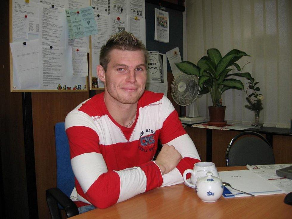 Ligový fotbalista Miloslav Strand v sobotu slaví s přáteli  28. narozeniny, které měl minulý čtvrtek.