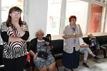 Z vernisáže výstavy fotografií dívek s Rettovým syndromem v Benešově.