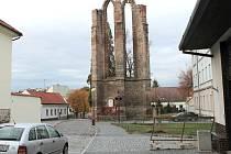 Torzo minoritského kláštera na Karlově.