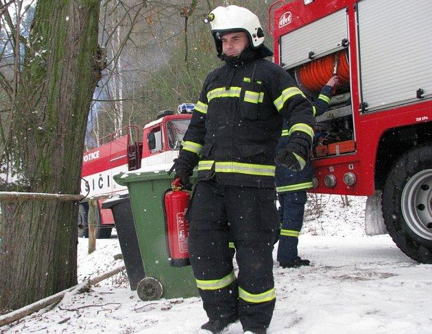 Votičtí dobrovolní hasiči museli nedělní oběd odložit
