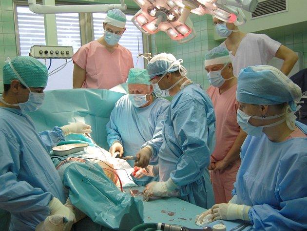 Operace kyčle v NRS Benešov.