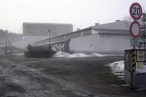 Současná kapacita strážovického prasečáku je 4400 kusů,  společnost Mydlářka ho chce rozšířit na 6413 prasat.