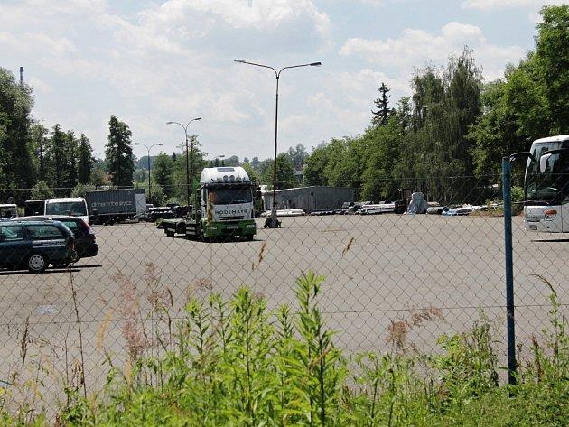 Parkoviště Na Sladovém, kde bude dopravní hřiště.