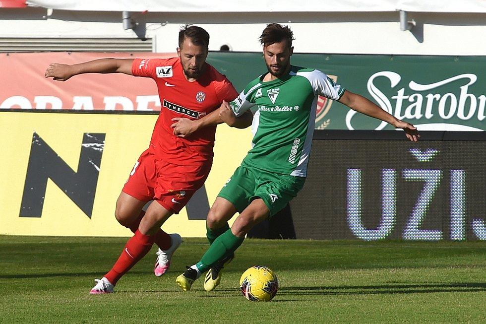 14.7.2020 - domácí FC Zbrojovka Brno (červená) proti FC SB Vlašim (zelená)