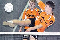 Dvojice benešovského Šacungu s Petrem Chejnem (vpředu) a Stanislavem Voltrem se v druholigové kvalifikaci výsledkově neprosadila.