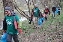 Obecně prospěšná společnost Posázaví každoročně organizuje například akci Čistá řeka Sázava.