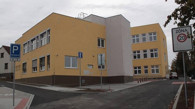 Nová škola v Hodějovského ulici v Benešově přivítá první žáky 3. prosince 2018.