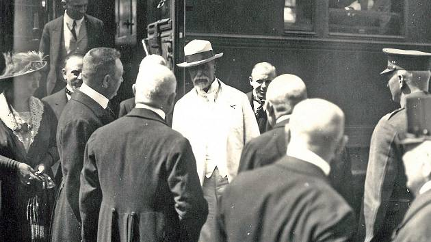 Tomáš Garrigue Masaryk přijel do Benešova v roce 1921 vlakem.
