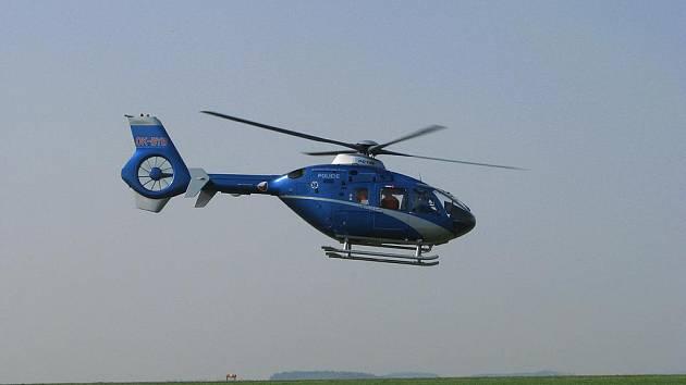 Při nehodě zasahoval i vrtulník.
