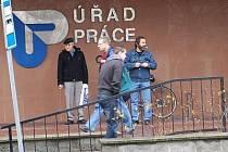 Nezaměstnaných na Benešovsku se pohybuje okolo pět procent.