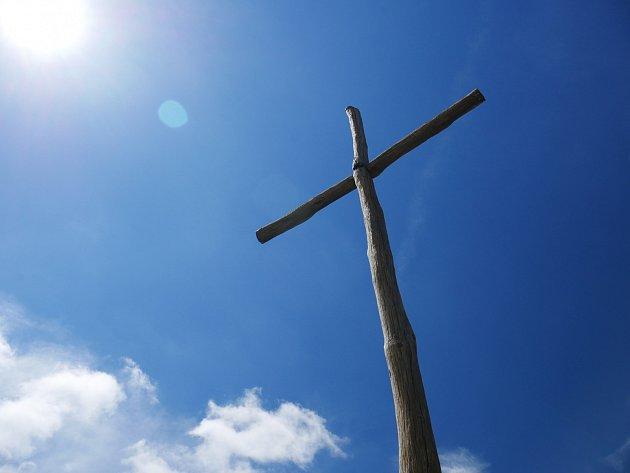 Kříž.