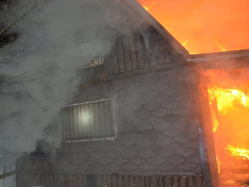 Požár ve Svárově