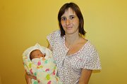 Manželé Aneta a Jakub Zelenkovi se od 15. května radují z prvorozené dcerky Izabelky. Ta se narodila v 8.52, kdy vážila 2 670 gramů a měřila 43 centimetrů. Rodina společně žije v Domašíně.