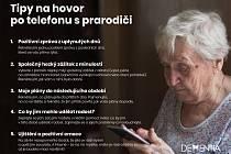 Jak komunikovat s prarodiči po telefonu? Organizace Dementia radí, jak volat v době karantény.