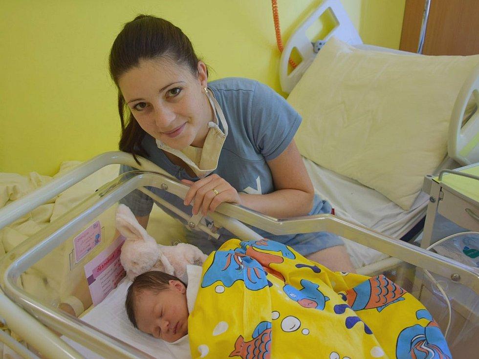 Adéla Čermáková se manželům Šárce a Alešovi narodila v benešovské nemocnici 23. července 2020 v 18.12 hodin, vážila 3270 gramů. Doma v Pyšelích má bratra Matěje (2).