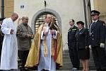Slavnostní odhalení svatého Floriána na Masarykově náměstí v Benešově.