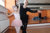 Baletní sál benešovského sportovního centra se každý týden plní dětskými tanečníky.