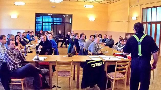 Dvaašedesát preventistů ze SDH okresu Benešov prošlo školením.