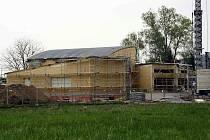 Stavba začala fyzicky vznikat v lednu a už na začátku září by měla být v plném provozu
